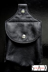 Chaps_Pouch_Regular_Front_300