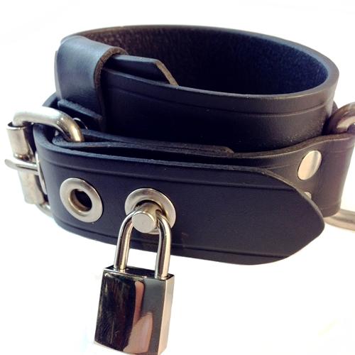 Rest-Wrist-Belt-Leather-D-Ring-Lock2-500