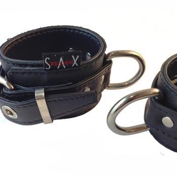 Rest-Wrist-Garment-Leather-D-Ring1-350