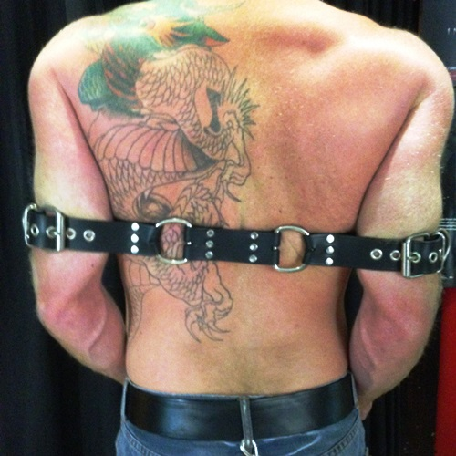 Rest_Arm_Buckle_Back2-500